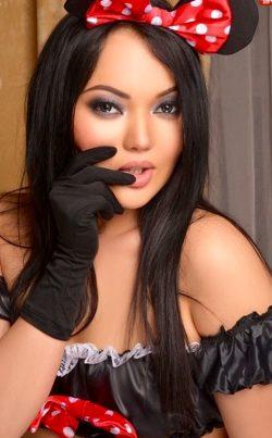 Девушка, симпатичная, предлагаю сделать друг другу приятное, мальчики, вы готовы?