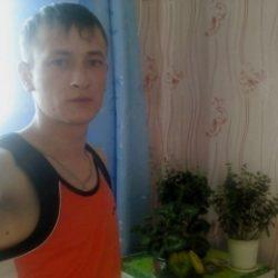 Молодой парень ищет девушку в Новокузнецке для жарких свиданий