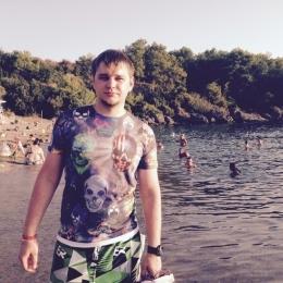 Я атлетичный парень, с фото, славянская внешность, хочу развлечься с модной девушкой в Новокузнецке