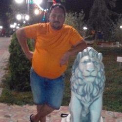 Пара, ищет девушку для секса жмж в Новокузнецке